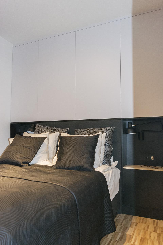 Białe Meble Do Sypialni Z Zabudowa łóżka Komodo
