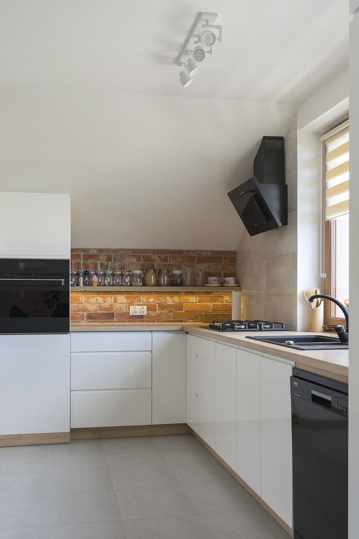Kuchnia otwarta na salon  Komodo -> Meble Kuchnia Salon