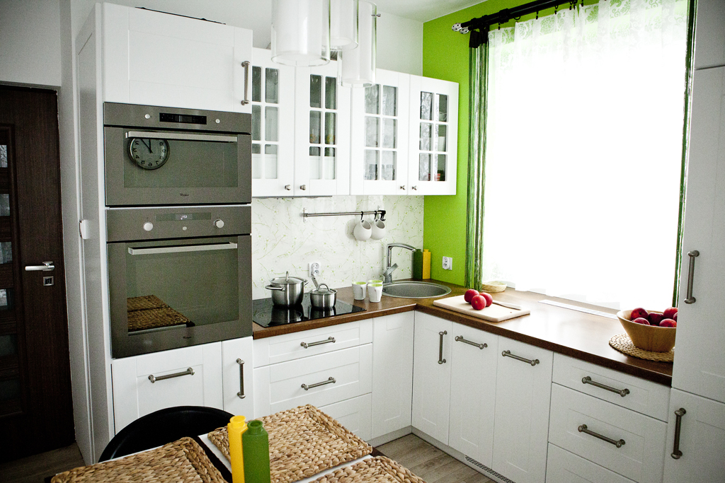 Zielona i jasna kuchnia  Komod -> Kuchnia Jasna Meble