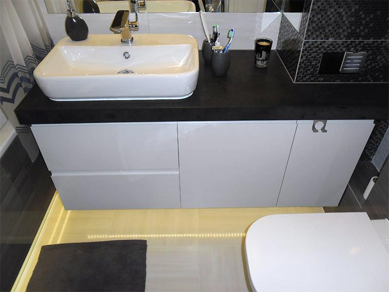 Meble łazienkowe Na Wymiar Komodo